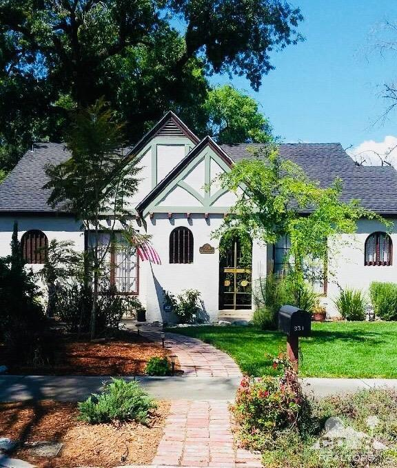 331 S Harvard Street, Hemet, CA 92543 (MLS #218012390) :: Deirdre Coit and Associates