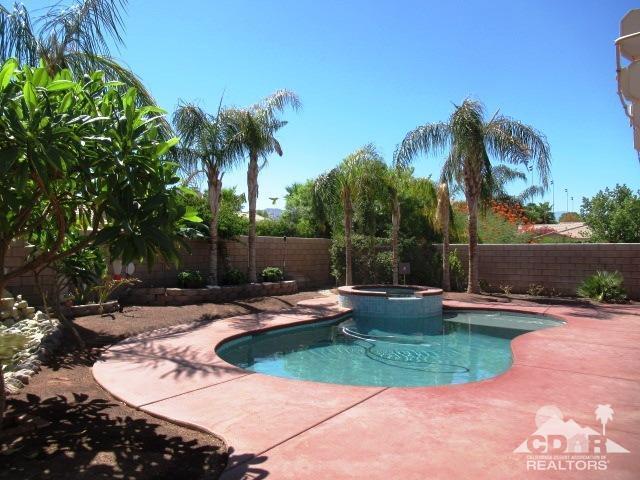 79291 Sierra Vista, La Quinta, CA 92253 (MLS #218018276) :: Brad Schmett Real Estate Group