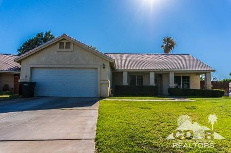 2216 Sparkling Lagoon, Blythe, CA 92225 (MLS #218018758) :: The John Jay Group - Bennion Deville Homes