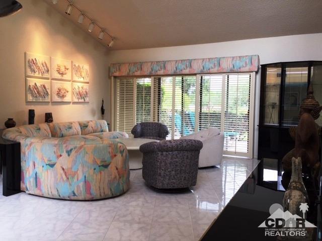 201 Winterhaven Circle, Palm Desert, CA 92260 (MLS #218026024) :: Hacienda Group Inc