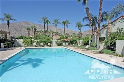 49465 Avenida Club La Quinta, La Quinta, CA 92253 (MLS #218030924) :: Brad Schmett Real Estate Group