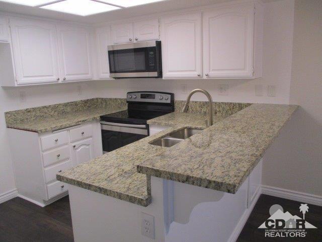 500 E Amado Road #504, Palm Springs, CA 92262 (MLS #218033044) :: Brad Schmett Real Estate Group