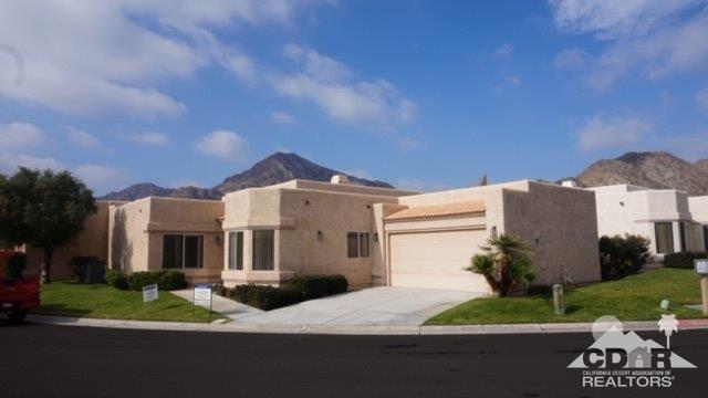 48112 Via Hermosa, La Quinta, CA 92253 (MLS #218033936) :: The John Jay Group - Bennion Deville Homes