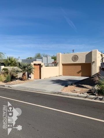 52590 Avenida Juarez, La Quinta, CA 92253 (MLS #218034152) :: Brad Schmett Real Estate Group