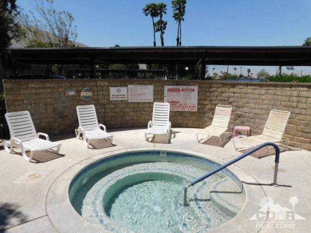 2820 N Arcadia Court #102, Palm Springs, CA 92262 (MLS #219012369) :: The John Jay Group - Bennion Deville Homes