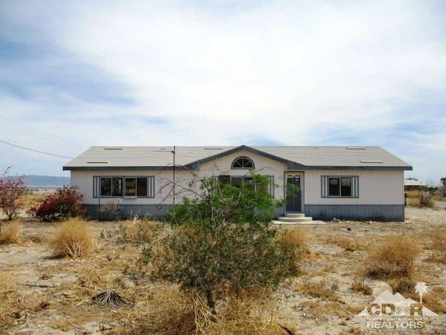 1120 Pacific Avenue, Thermal, CA 92274 (MLS #219014245) :: Brad Schmett Real Estate Group