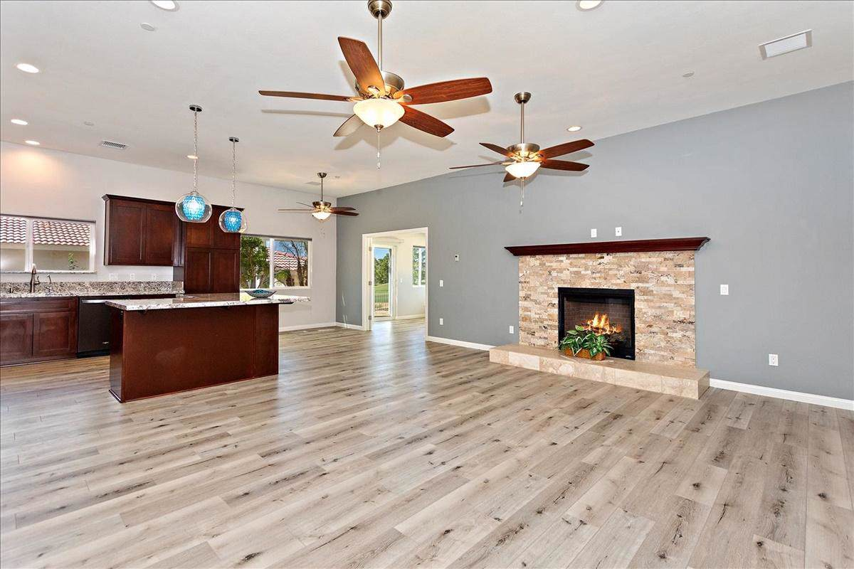 8589 Clubhouse Boulevard - Photo 1