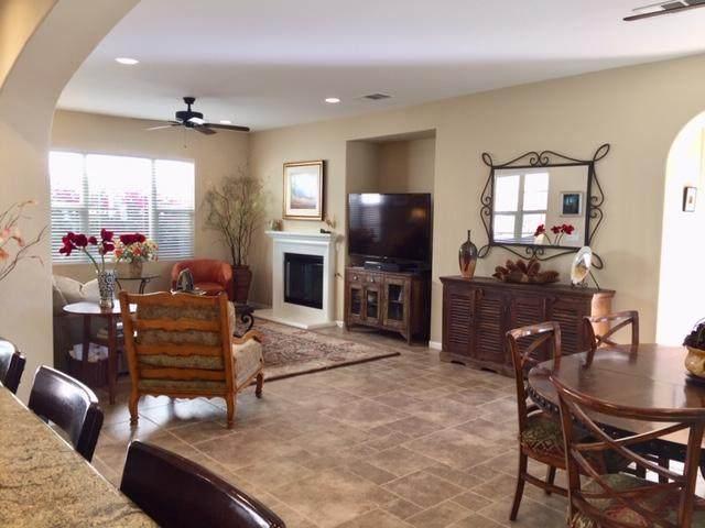 681 Calle Vibrante, Palm Desert, CA 92211 (MLS #219039393) :: Brad Schmett Real Estate Group