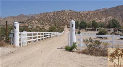 10505 Hess Boulevard, Morongo Valley, CA 92256 (MLS #219045587) :: The John Jay Group - Bennion Deville Homes