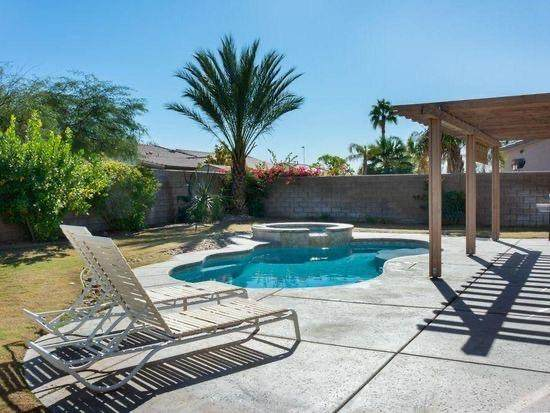 41194 Mackenzie Lane, Indio, CA 92203 (MLS #219049400) :: The Jelmberg Team