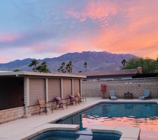 2770 E Valencia Road, Palm Springs, CA 92262 (#219063369) :: The Pratt Group