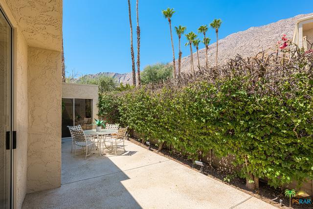 555 W Baristo Road C30, Palm Springs, CA 92262 (MLS #17243592PS) :: Brad Schmett Real Estate Group