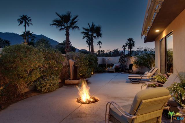2650 N Junipero Avenue, Palm Springs, CA 92262 (MLS #18300726PS) :: Brad Schmett Real Estate Group