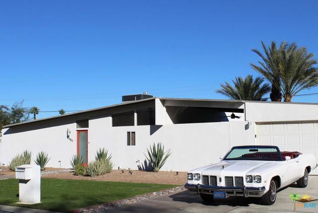 2560 N Starr Road, Palm Springs, CA 92262 (MLS #18303896PS) :: Brad Schmett Real Estate Group