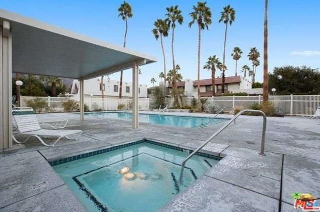 1820 N Mira Loma Way D, Palm Springs, CA 92262 (MLS #18312470PS) :: The John Jay Group - Bennion Deville Homes