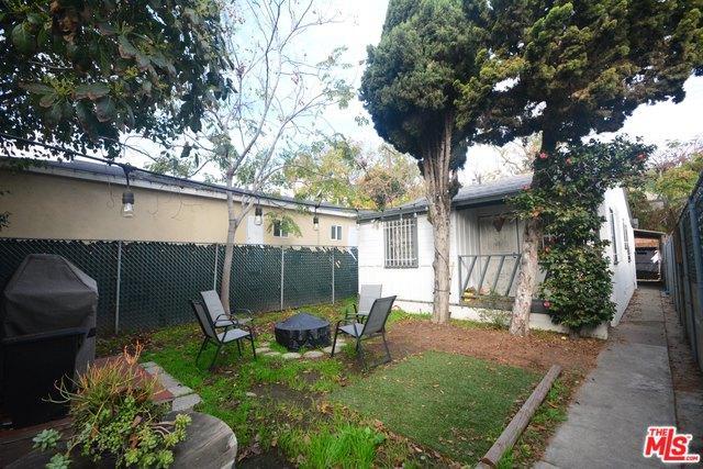 11325 Venice, Los Angeles (City), CA 90066 (MLS #18322546) :: The John Jay Group - Bennion Deville Homes