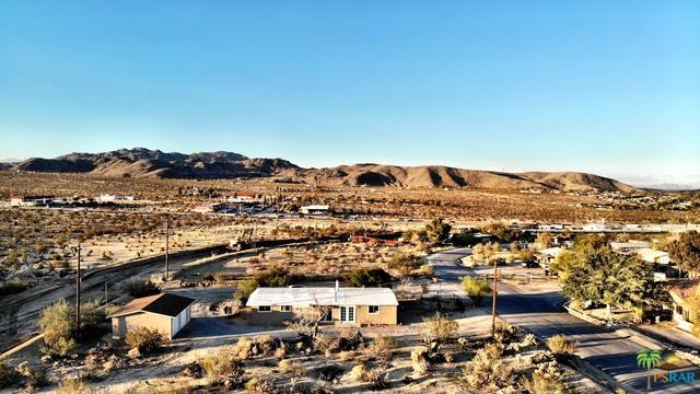 61423 Desert Air Road, Joshua Tree, CA 92252 (MLS #18356278PS) :: Brad Schmett Real Estate Group
