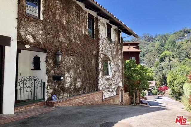 10266 Lelia Lane, Los Angeles (City), CA 90077 (MLS #18371010) :: The John Jay Group - Bennion Deville Homes