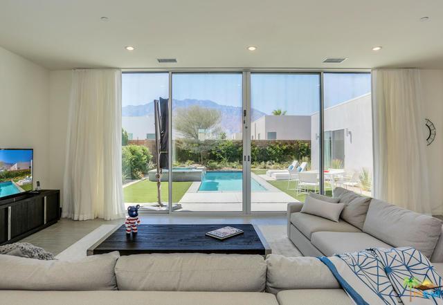 699 Equinox Way, Palm Springs, CA 92262 (MLS #18385020PS) :: The John Jay Group - Bennion Deville Homes