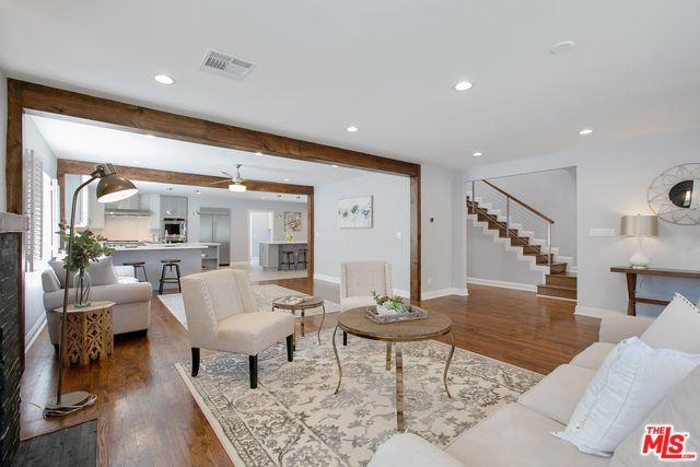 851 S Cloverdale Avenue, Los Angeles (City), CA 90036 (MLS #18387560) :: The John Jay Group - Bennion Deville Homes