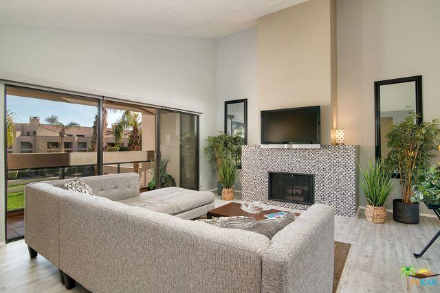 426 Village Square, Palm Springs, CA 92262 (MLS #18418084PS) :: Deirdre Coit and Associates