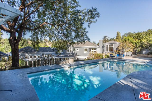 3900 Kingswood Road, Sherman Oaks, CA 91403 (MLS #19424806) :: The Sandi Phillips Team