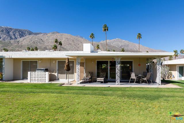 2240 S Calle Palo Fierro #18, Palm Springs, CA 92264 (MLS #19433342PS) :: Brad Schmett Real Estate Group