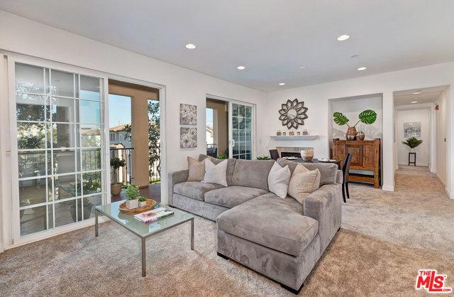 12975 Agustin Place #338, Playa Vista, CA 90094 (MLS #19439576) :: Deirdre Coit and Associates