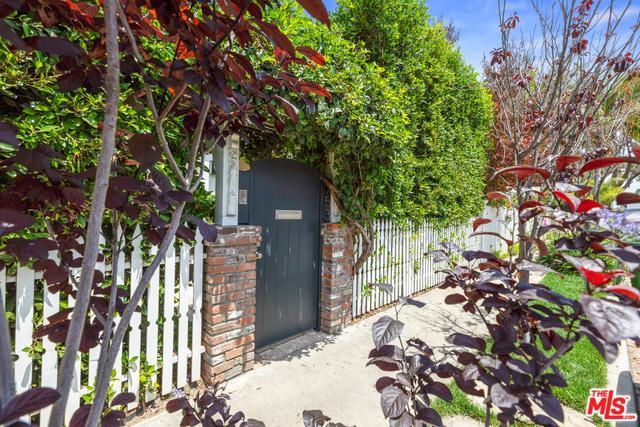 753 Palms, Venice, CA 90291 (MLS #19461934) :: Deirdre Coit and Associates