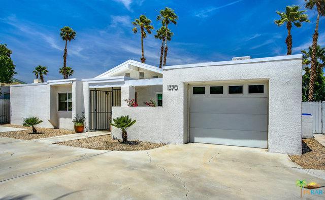 1370 E Racquet Club Road, Palm Springs, CA 92262 (MLS #19467326PS) :: Hacienda Group Inc