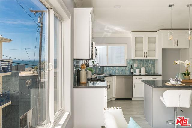 121 Shell Street, Manhattan Beach, CA 90266 (MLS #19468570) :: The John Jay Group - Bennion Deville Homes
