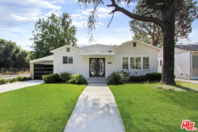 4555 Willowcrest Avenue, Toluca Lake, CA 91602 (MLS #19473080) :: The John Jay Group - Bennion Deville Homes