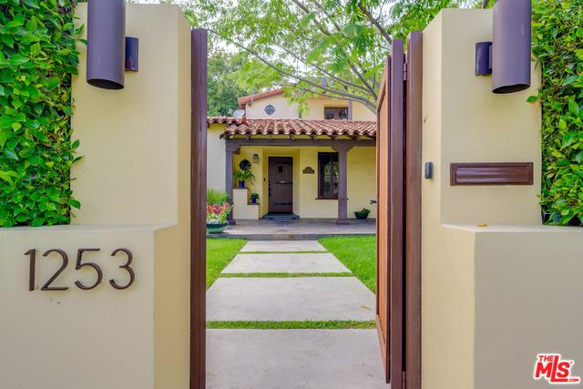 1253 S Stanley Avenue, Los Angeles (City), CA 90019 (MLS #19474882) :: The John Jay Group - Bennion Deville Homes