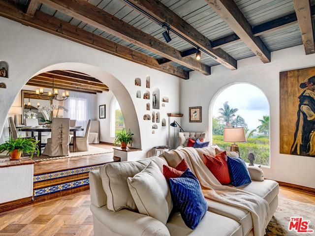 253 Rees Street, Playa Del Rey, CA 90293 (MLS #19477072) :: Bennion Deville Homes