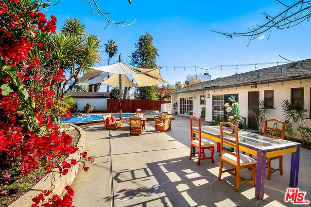 20305 Oxnard Street, Woodland Hills, CA 91367 (MLS #19477524) :: The John Jay Group - Bennion Deville Homes