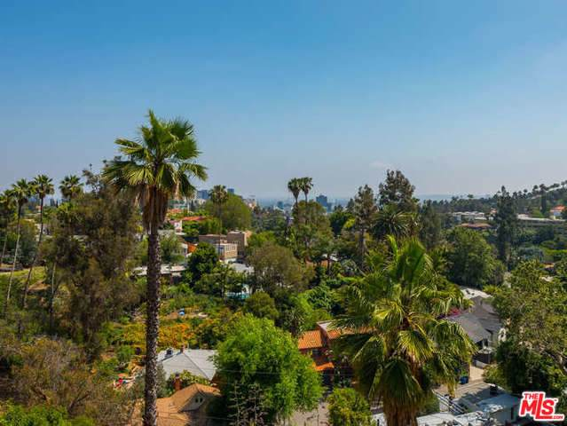 6434 Bryn Mawr Drive, Los Angeles (City), CA 90068 (MLS #19501354) :: Hacienda Group Inc