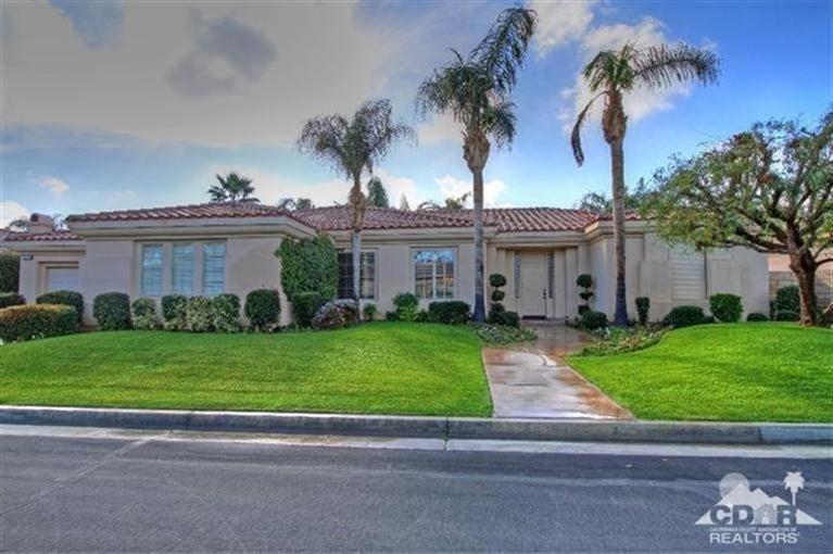 75883 Via Allegre, Indian Wells, CA 92210 (MLS #215003124) :: Brad Schmett Real Estate Group