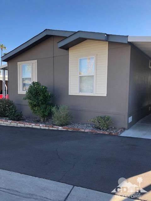 12 Diamond E Drive, Palm Desert, CA 92260 (MLS #218035794) :: The Sandi Phillips Team