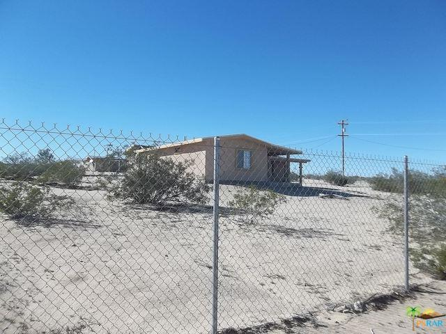 71209 Valle Vista Road, 29 Palms, CA 92277 (MLS #16125968PS) :: The John Jay Group - Bennion Deville Homes