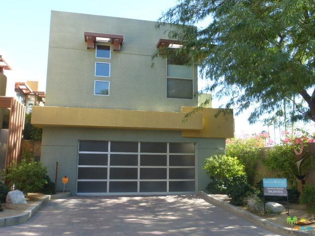 2040 Tangerine Court, Palm Springs, CA 92262 (MLS #17286090PS) :: Brad Schmett Real Estate Group
