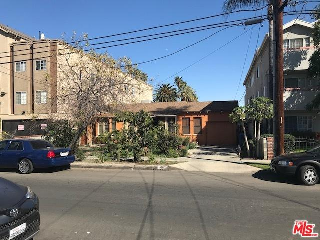 5308 Cartwright Avenue, North Hollywood, CA 91601 (MLS #18317046) :: The John Jay Group - Bennion Deville Homes