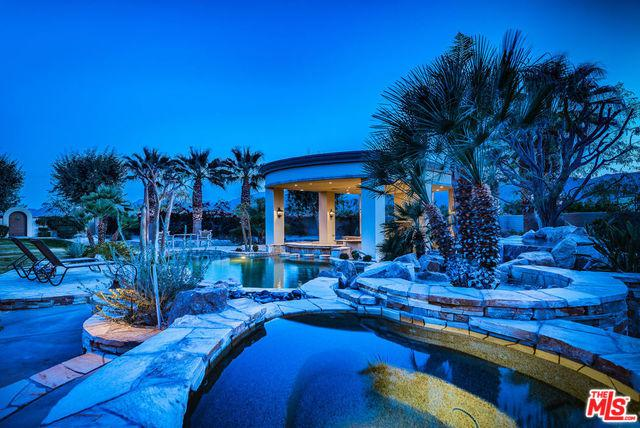 1 Beach Dunes Court, Rancho Mirage, CA 92270 (MLS #18318446) :: Brad Schmett Real Estate Group