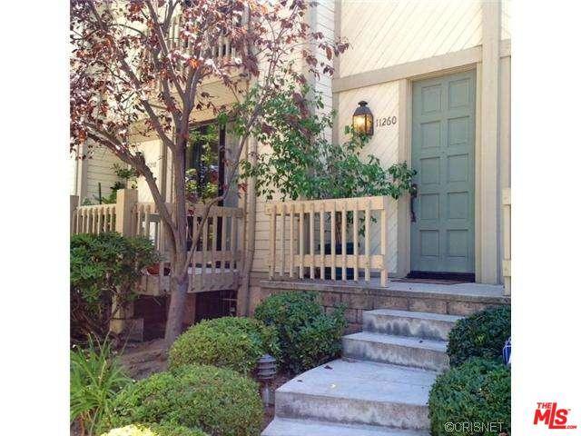 11260 Camarillo Street, Toluca Lake, CA 91602 (MLS #18365654) :: Team Wasserman