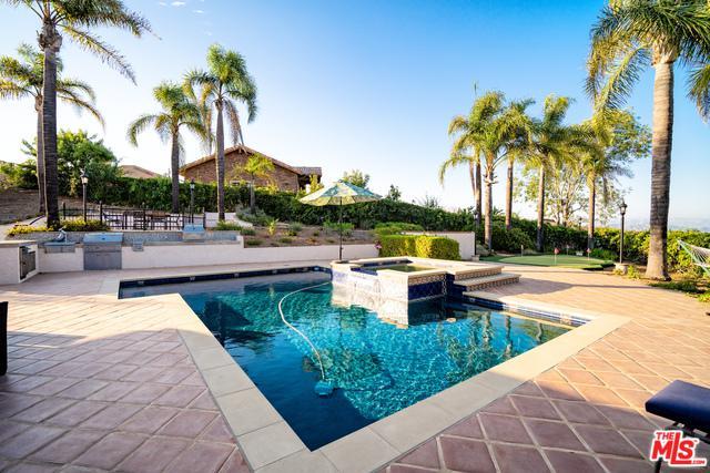 1061 Wildwood Avenue, Thousand Oaks, CA 91360 (MLS #18368416) :: Deirdre Coit and Associates