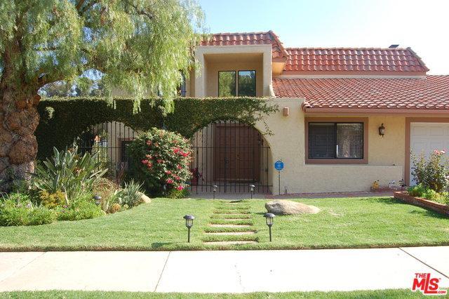 9664 Andora Avenue, Chatsworth, CA 91311 (MLS #18402746) :: The Jelmberg Team