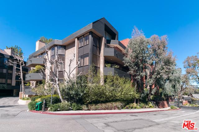 4785 Park Encino Lane #237, Encino, CA 91436 (MLS #19442968) :: Deirdre Coit and Associates
