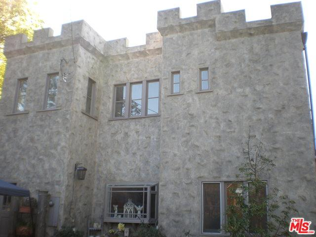 11033 Hortense Street, Toluca Lake, CA 91602 (MLS #19443904) :: Hacienda Group Inc