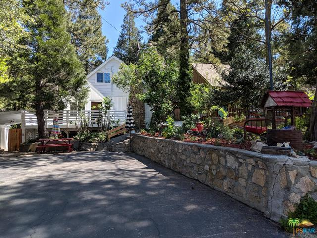 23078 Oak Lane, Crestline, CA 92352 (MLS #19462818PS) :: The John Jay Group - Bennion Deville Homes