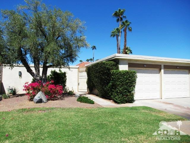689 N Majorca Circle, Palm Springs, CA 92262 (MLS #218022978) :: Brad Schmett Real Estate Group