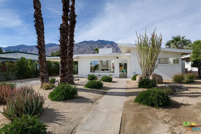 727 N Paseo De Anza, Palm Springs, CA 92262 (MLS #17295930PS) :: Brad Schmett Real Estate Group